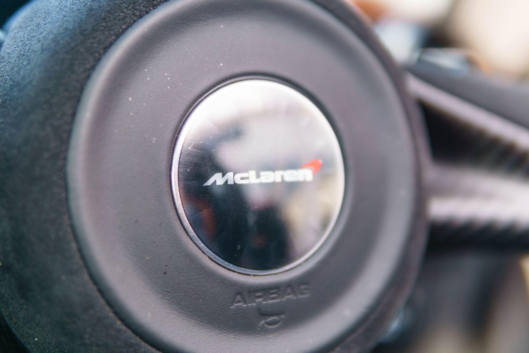 McLaren 720S V8 2dr SSG PERFORMANCE image 41
